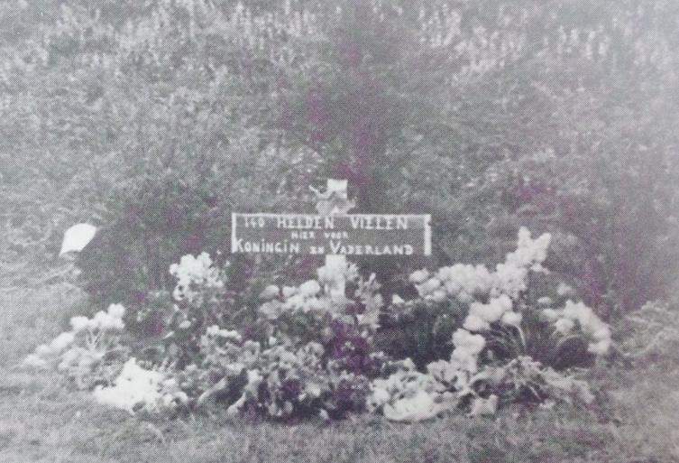 Kort na bevrijding werd bij Rozenoord een bordje geplaatst. Hier werd het aantal van 140 gefusilleerden vermeld.